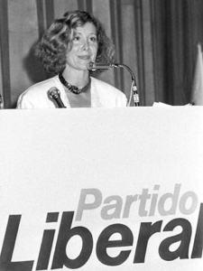 Esperanza Aguirre que con la entrada de Segurado la Unión Liberal pasó a denominarse, Partido Liberal.