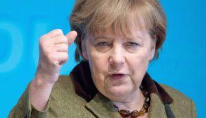 La Merkel autoritaria, empecinada en prostituir la democracia griega