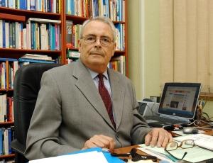 De ayer a hoy. Pedro Aparicio, alcalde de Málaga (1979-1995), recientemente fallecido y al que el Ayuntamiento en Pleno ha dado en esta misma semana un emotivo y homenaje pósttumo