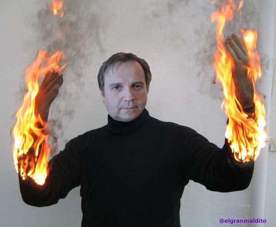 Antonio Carmona, quemándose por poner sus manos por Tomás Gómez.