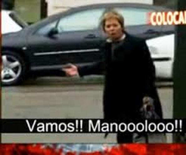 """Imagen del video que recorrería los plató televisivos com Celia Villalobos """"afeando"""" la tardanza del conductor oficial, Manolo, en recogerla a la salida del Congreso de Diputados"""