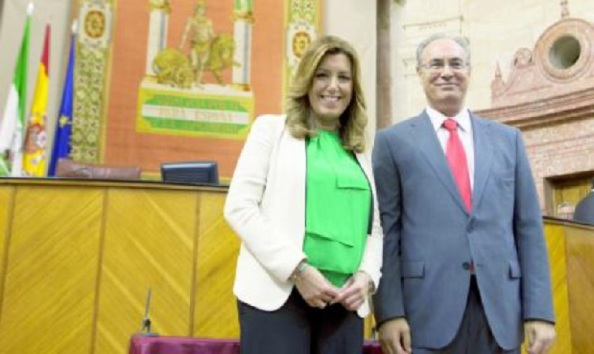 La Presidenta de la Junat de Andalucía en funciones, Susana Díaz, y el flamante nuevo presidente del Parlamento de Andalucía, Durán