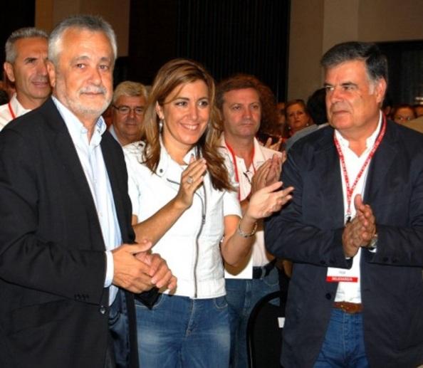 José Antonio Viera, cuando era secretario general del PSOE-A de Sevilla, con Susana Díaz, su segunda y Griñán, secretario general del PSOE-A y presidente de la Junta de Andalucía