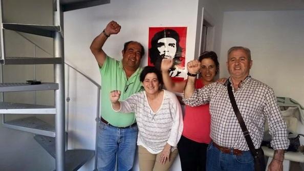 Antonia Munoz, exalcaldesa de Manilva, en el interior de la sede de IU de la que teóricamente está separada por corrupción. Abril 2015