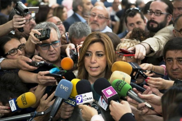 Susana Díaz enrocada con milongas sobre el perro del hortelano, de que no gobiernan ni le dejan gobernar, sin reconocer que ella sola metió a Andalucía en su avispero.