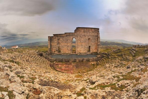 Abandono también de la huella histórica rondeña, Acinipo, que da nombre a este legado arqueológico como a la redada que hubo contra munícipes del PSOE municipal