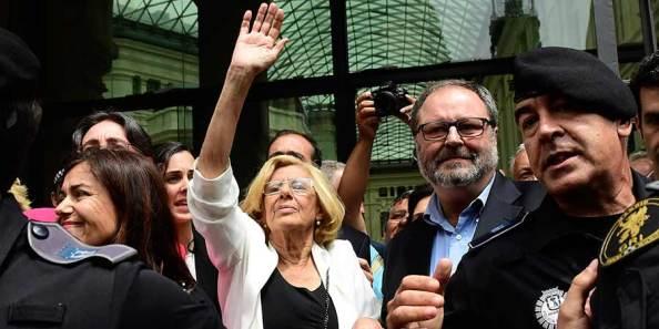 Manuela Carmena, tras tomar posesión en la alcaldía de Madrid