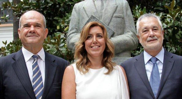 Susana Díaz, hija política de Manuel Chaves y josé Antonio Griñán. Eran otros tiempos, pero hace menos de dos años, en su primera toma de posesión.