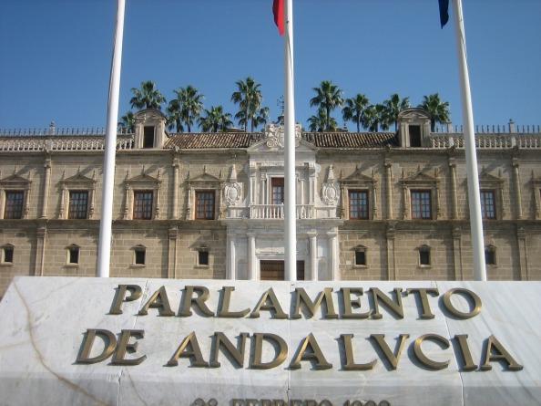Urge una reforma en profundidad de la administración autonómica de la Junta de Andalucía