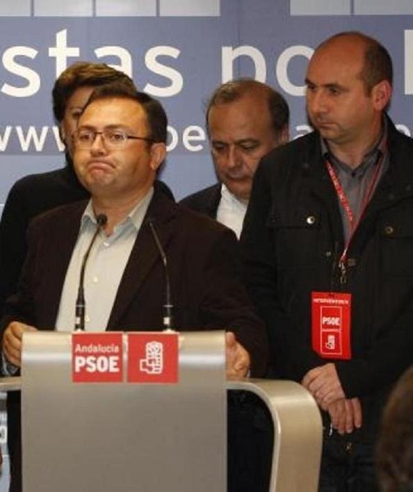 La cara de Heredia, tras la debacle del PSOE de Málaga, la noche del 20N, pasando de 5 a 3 diputados. El PSOE llegó a tener 6 antes de que se hiciera con la secretaría general.