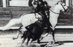 Paquita Rocamora, rajoneando al novillo que le tocó