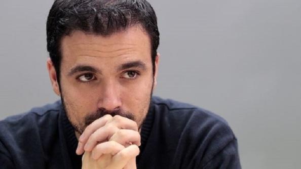 Alberto Garzón, solo ante el peligro de la desaparición de IU
