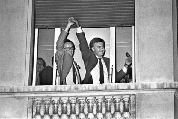 28.10.1982 Triunfo espectacular del PSOE de Felipe González