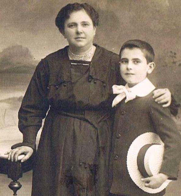Mi padre y abuela Juan Trillo Antonia