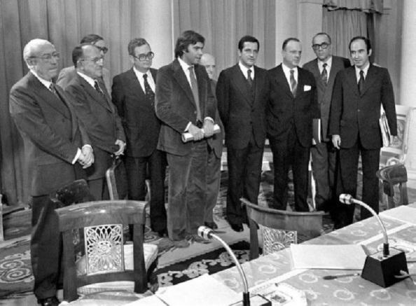 La firma de los Pactos de la Moncloa. 1977.