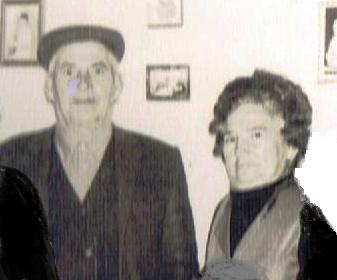 Agustín el acomodador y su mujer Frasquita La Francesa que hacía los churros en su calle hoy Jincaleta con calle an Sebastián.