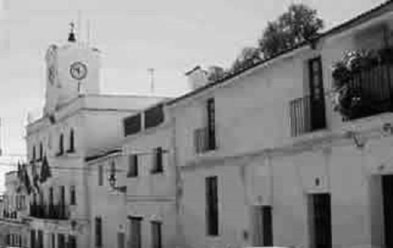 Ayuntamiento de Jimena. año 1960. Fuente: Familia del doctor Montero cuya casa figura al lado.