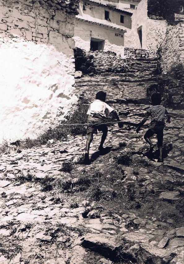 Calle Alta de Jimena, en dirección al Castillo. Fuente: Ediciones OBA