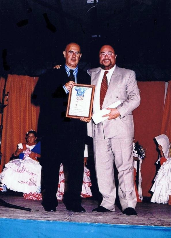 A lo mejor, tendría que encargar aquel Alcalde que fue, Ildefonso Gómez, una nueva placa para este pregón que no fue. Foto propia de aquel inolvidable, 14.08.2003.