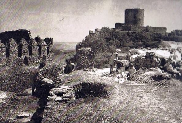 Aljibes y Castillo de Jimena: Fuente: Ediciones OBA.