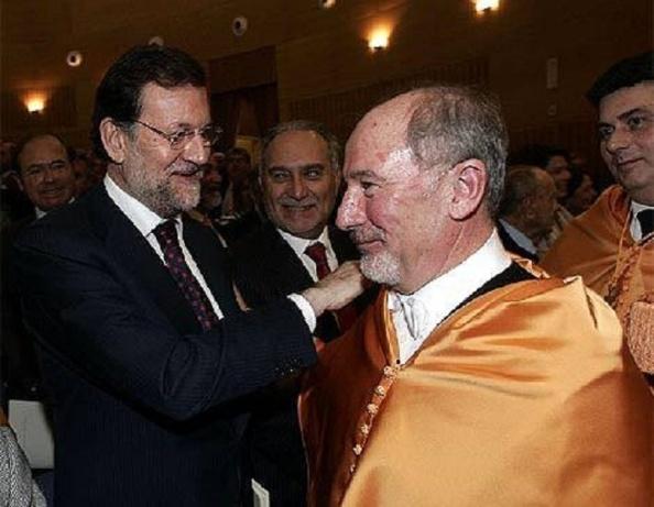 Rajoy, siempre rodeados de grandes amigos. Todo lo que toca, podrido.