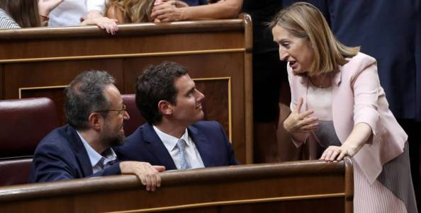 Ciudadanos ha empezado su particular concepción de la regeneración contribuyendo a poner a Ana Pastor de Presidenta del Congreso