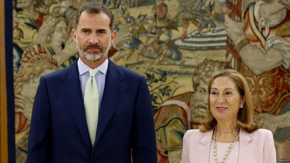 El Jefe del Estado, felipe VI, junto a la indigna Presidente del Congreso de Diputados, Ana Pastor.