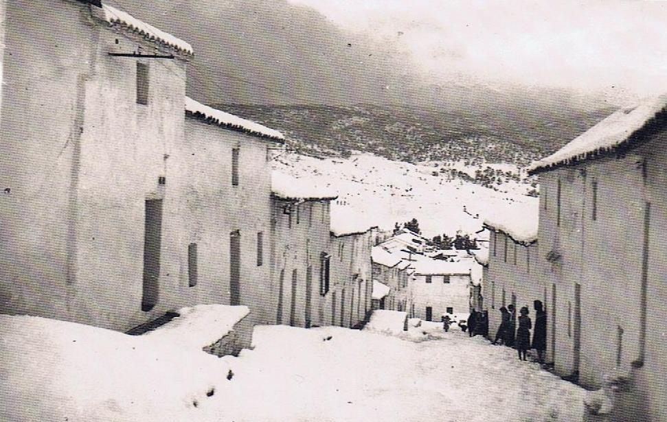La nevada en calle Consuelo. Año 1954. Fuente: Ediciones OBA.