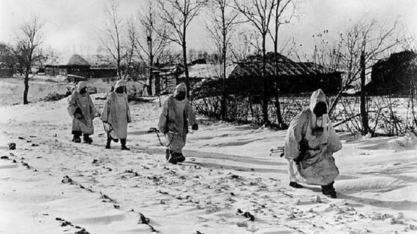El frío en la estepa rusa con soldados de la División Azul no pertrejados para esas temperaturas por debajo de los 30ª bajo cero. Diatio ABC.