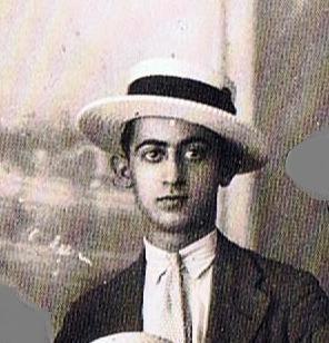 El maestro barbero, Juan León, de joven. Año 1930. Fuente Ediciones OBA.