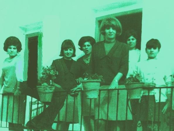 Una década posteropr, año 1963, nuevos peinados entre las jimenatas. Fuente: Ediciones OBA.