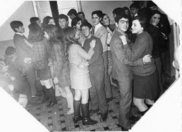 Los guateques de los adolescentes. Fuente: Google.