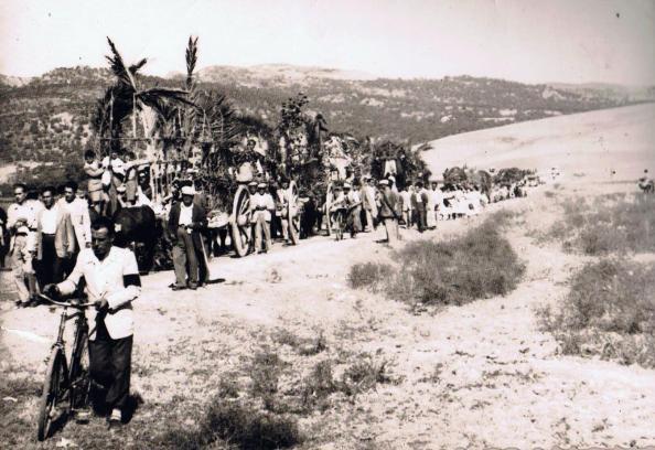 1956. Romería de la Reina de los Ángeles a Marchenilla. Fuente: Ediciones OBA