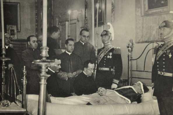 Lecho del fallecimiento del Papa P'io XII/ Foto> Google.