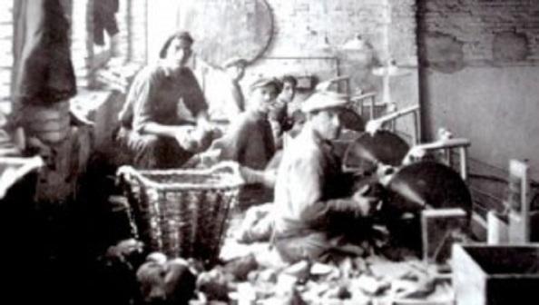 Taller en Gerona donde se perfilaba la fabricación de las pipas de fumar.