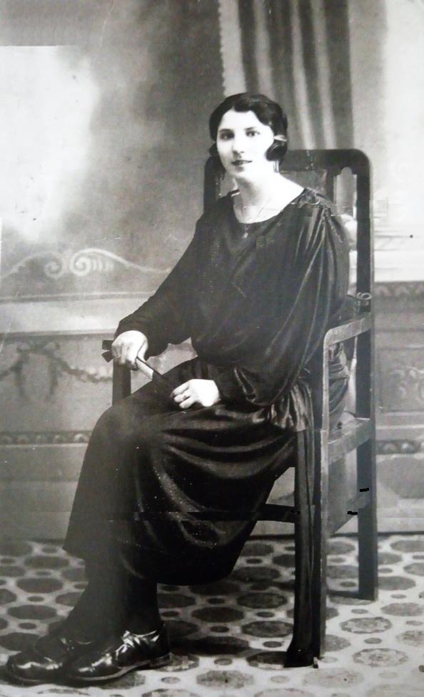 Ana Espejo de la Chica año 1920