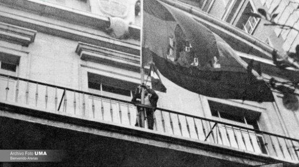 4 de diciembre diputación pone la bandera