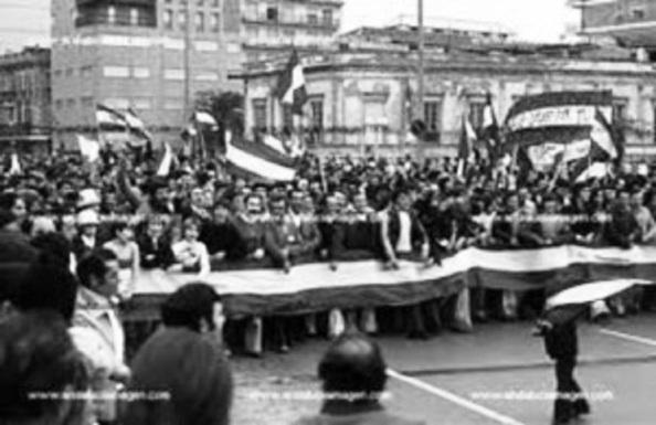 día 4 de diciembre manifestación puente tetuán b y n