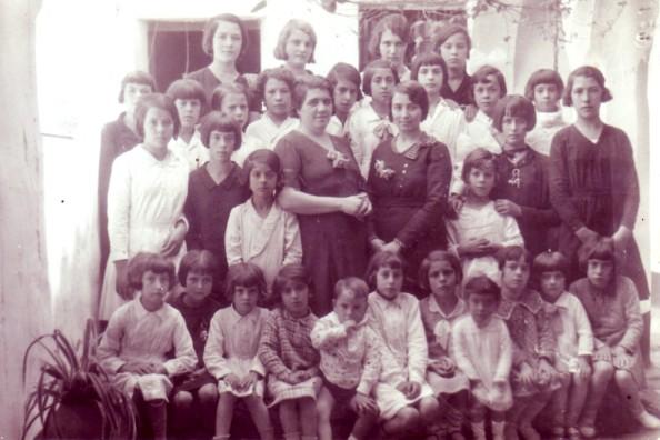 En la escuela doña Pura año 1920