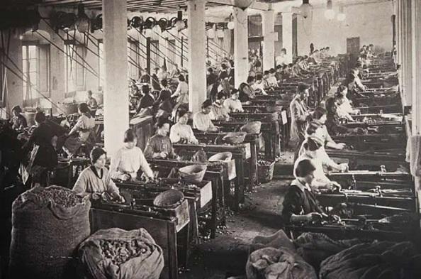 Los Larios fábrica de corcho