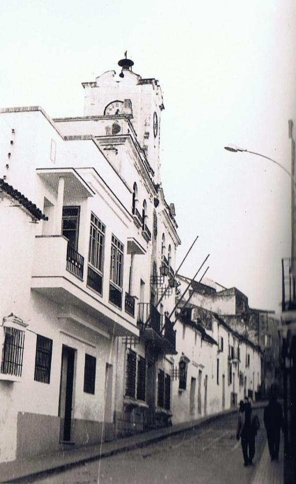 casa rafael castilla junto al ayuntamiento