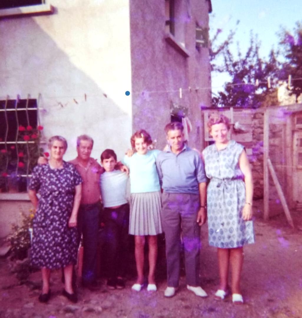 Juan y Miguel López Morales y familia
