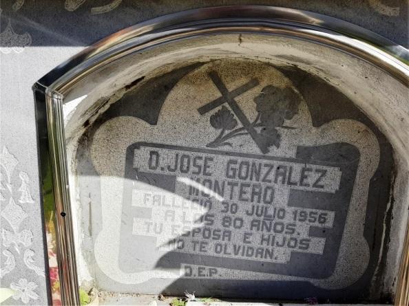 Lápida José González López